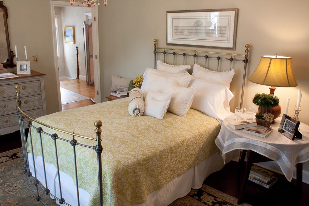 https://www.houzz.com/photos/york-show-house-bedroom-2010-traditional-bedroom-boston-phvw-vp~402708