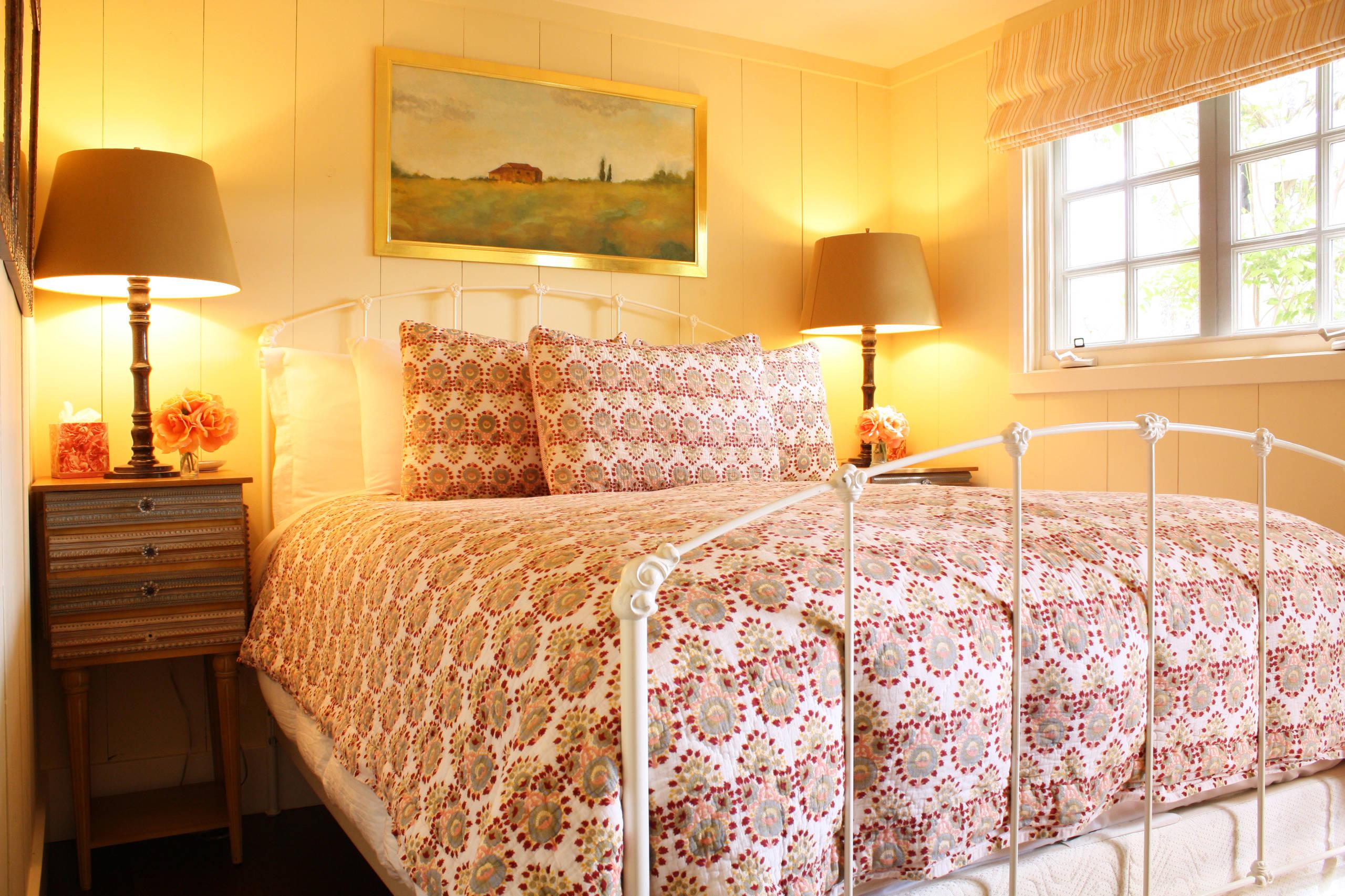 https://www.houzz.com/photos/ojai-guest-house-farmhouse-bedroom-santa-barbara-phvw-vp~3486535