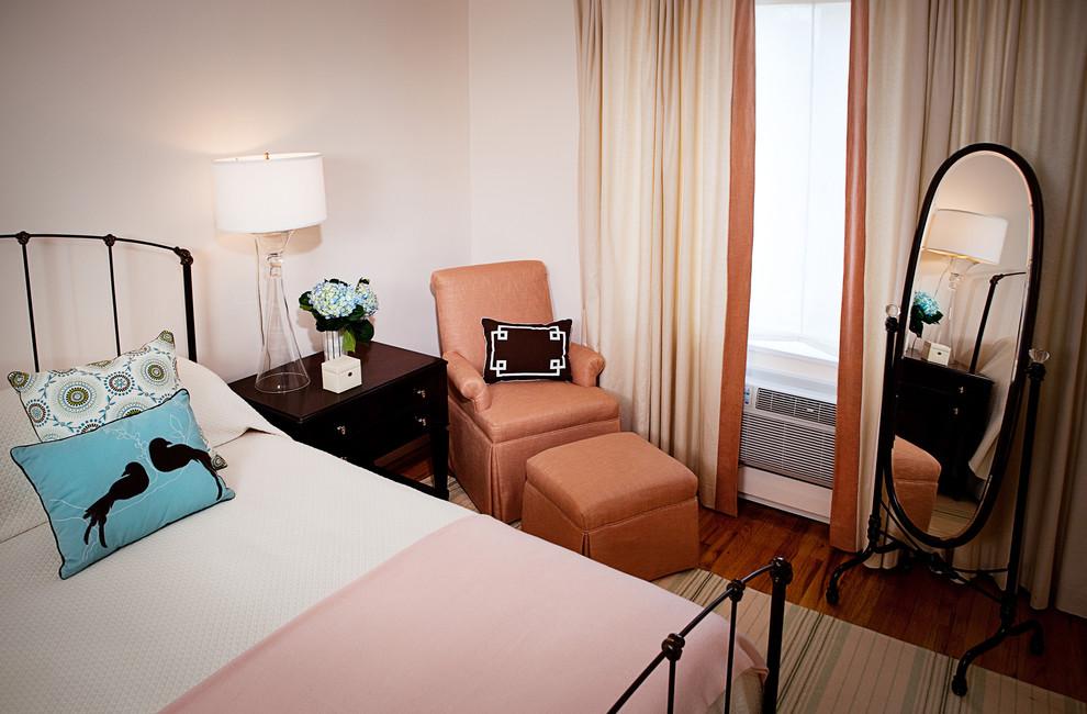 https://www.houzz.com/photos/eclectic-bedroom-eclectic-bedroom-phvw-vp~21829
