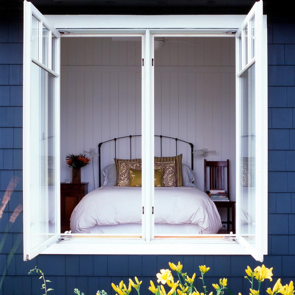 https://www.houzz.com/photos/bay-cottage-traditional-bedroom-dc-metro-phvw-vp~4403154