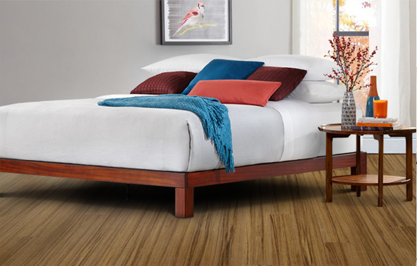 Madera king bed in Tiger Mahogany