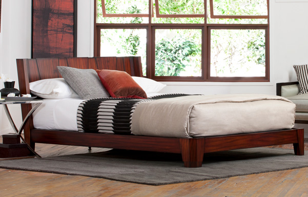 Barcelona queen bed in Tiger Mahogany