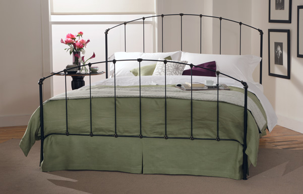 Rutherford high-foot King bed in Black Iron Gold