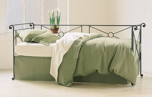 """Campaign daybed – 33"""" daybed width"""