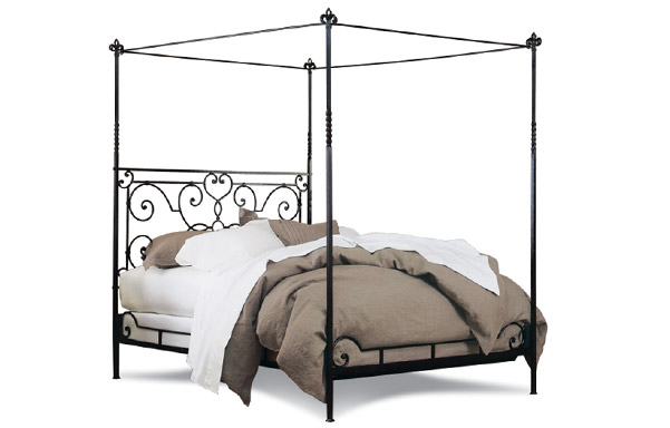 Florentine canopy bed – open footboard
