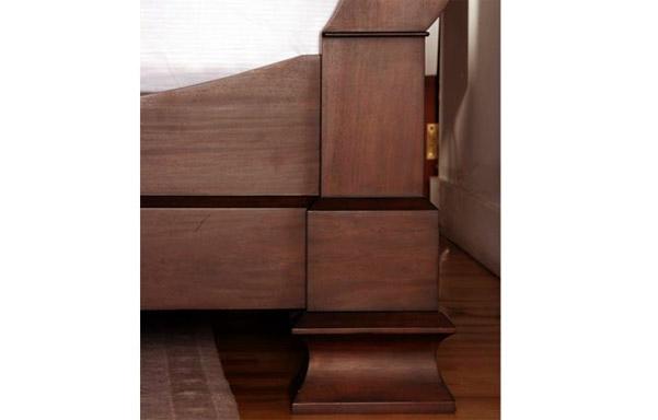 Hamilton mahogany sleigh bed – rail details