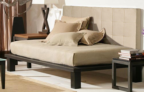 Solide daybed - espresso finish with cream micro suede backrest