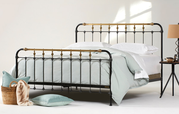 Boston king high-foot bed