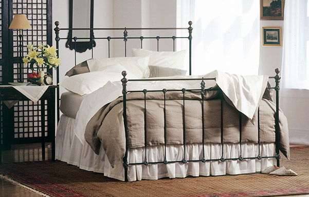 Newfield Queen high-foot bed in Wrought Iron with Antique Brass