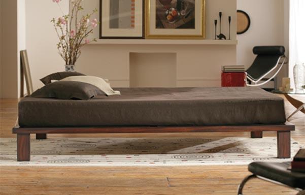 Solide platform bed – tiger mahogany room view