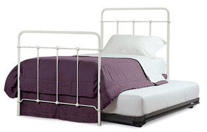Cottage trundle bed with trundle