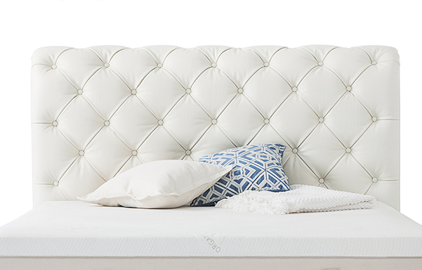 Hampton bed ultra white leather detail