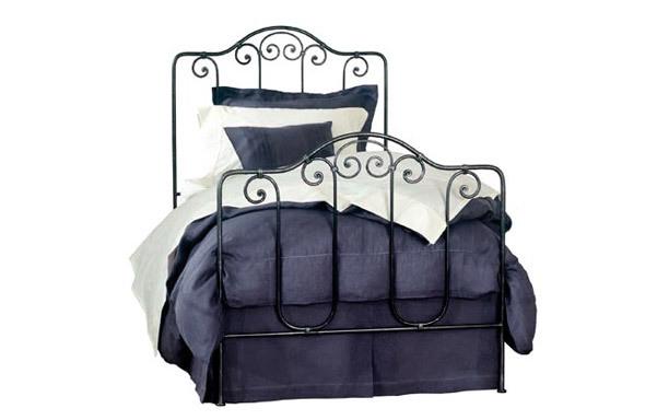 Breton trundle bed
