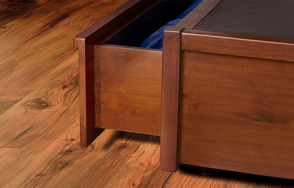 Mahogany storage bed dovetail drawer case detail