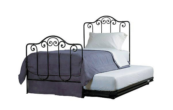 Breton trundle bed with trundle