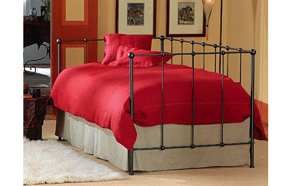 Lloyd wrought iron daybed room setting