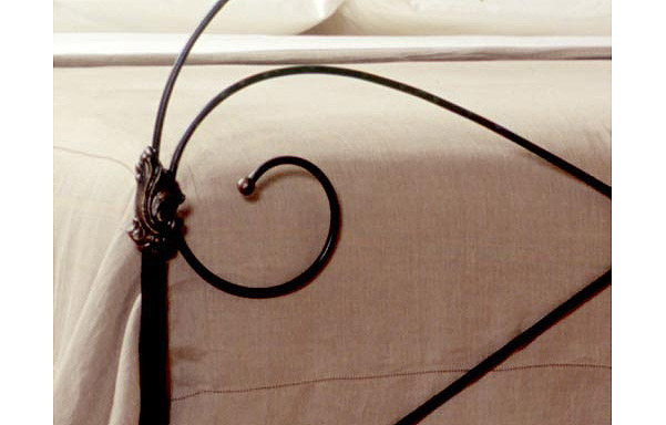 Marseille trundle bed iron panel detail