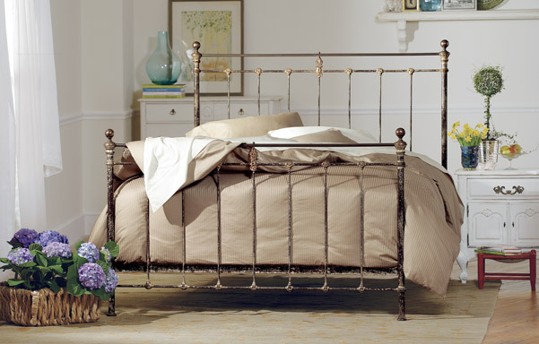 Newfield Queen high-foot bed in Vintage Iron with Antique Brass
