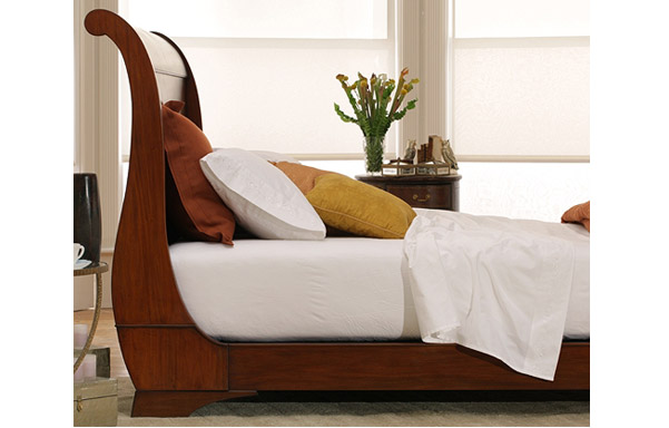 Sleigh platform bed medium mahogany finish