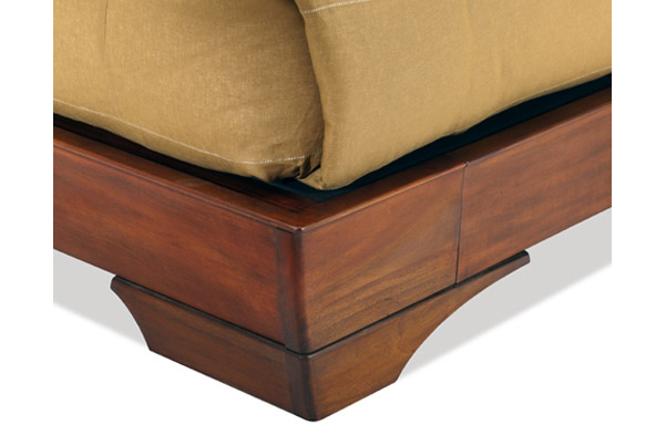 Sleigh platform bed side rail