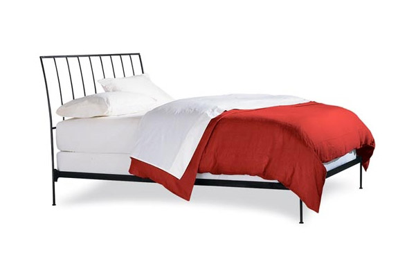 Milan bed with open footboard – side view