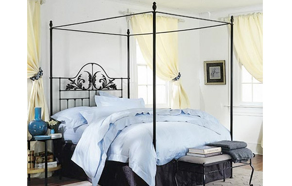 Harvest Moon canopy bed traditional room setting