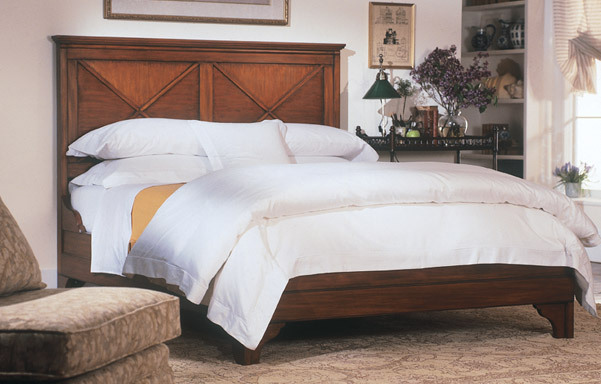 Lexington mahogany bed – queen size